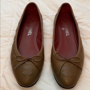 Chanel Quilted Flats 40.5